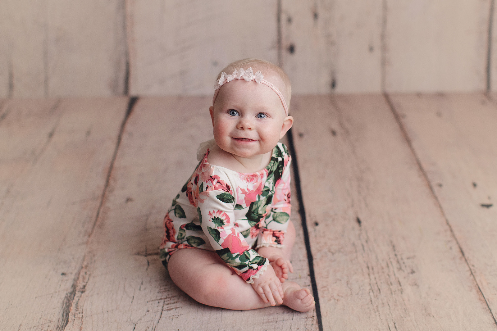 Why you need a new born baby photographer?